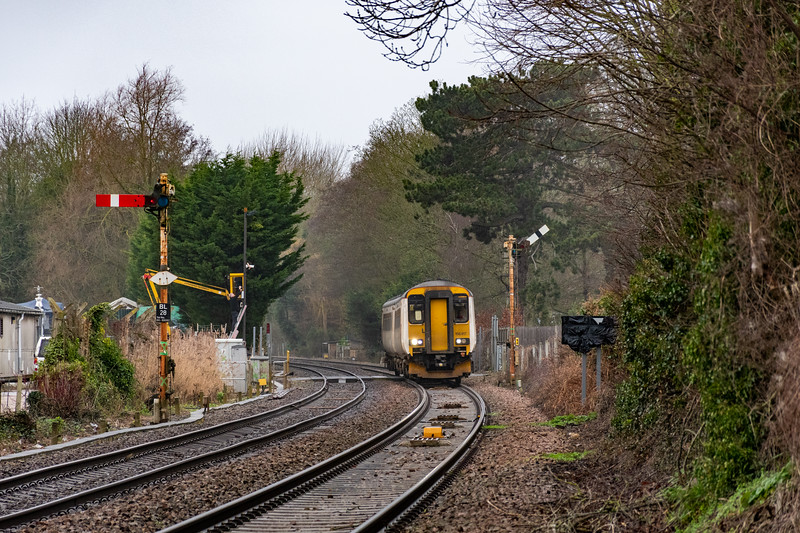 156417 approaches Brundall