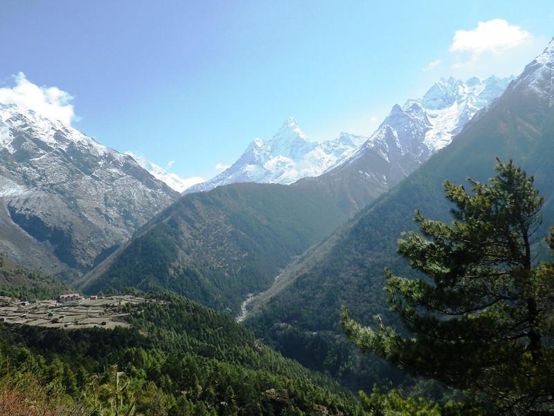 View towards upper Khumbu Valley and beautiful Ama Dablam (22,493ft = 6.856m). On the ridge, just below Ama Dablam, is Tengboche (12,664ft = 3.860m).