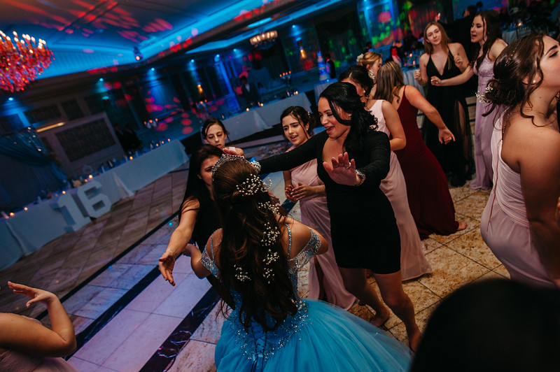 First Dance Images-586.jpg