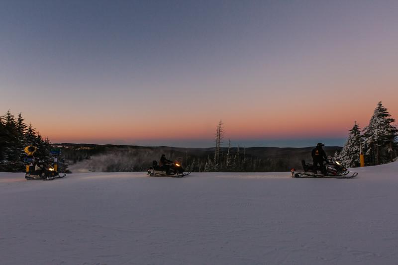 2020-01-09_SN_KS_Snowmobile Sunset-7812.jpg