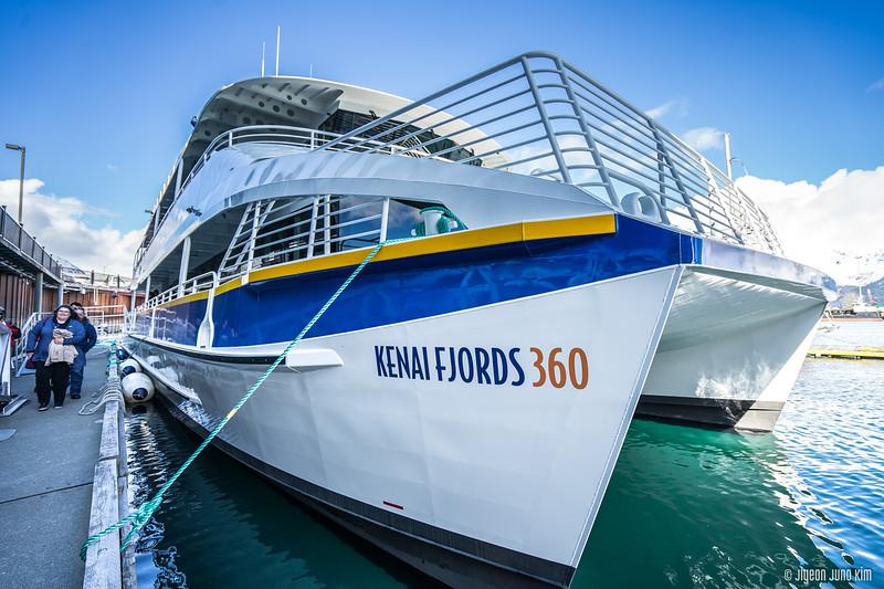Kenai Fjords 360 Inaugural Cruise-0302-Juno Kim.jpg