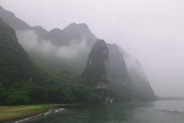 Li River cruis down from Guilin to Yangshuo, China