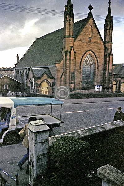 Berryknowes Rd, Hillington Park Church.