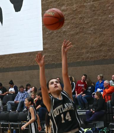 Outlaws 7th & 8th Grade Girls  Basketball @ Central Oregon Shotout 1-17-15