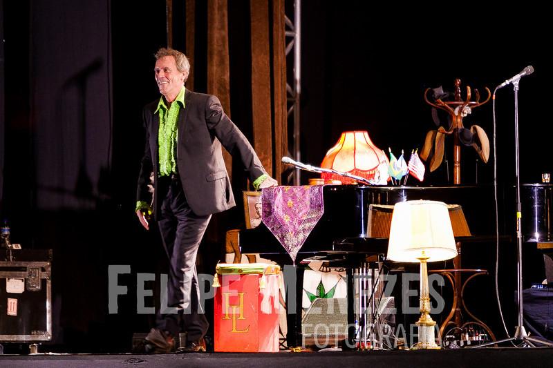 Hugh Laurie_Site_040.jpg