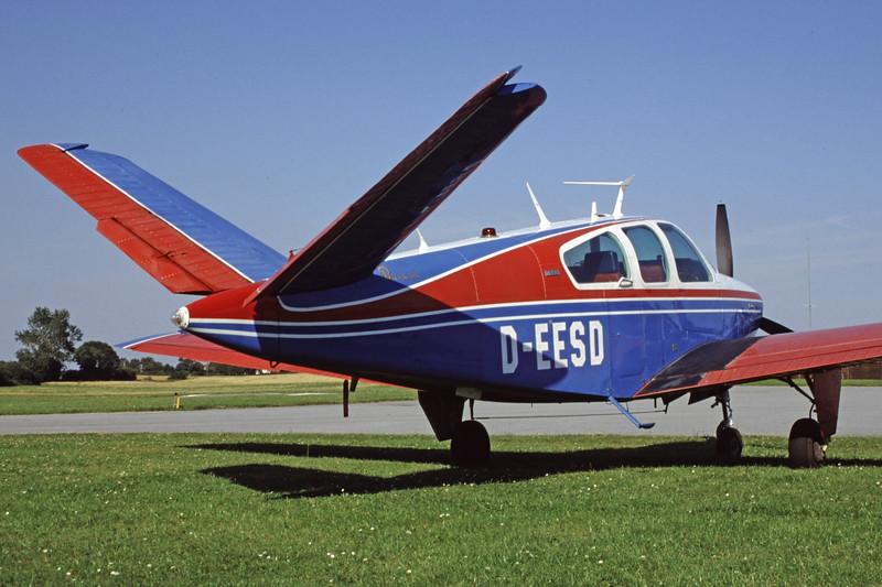 D-EESD-BeechcraftV35BBonanza-Private-1999-07-31-GR-02-KBVPCollection.jpg
