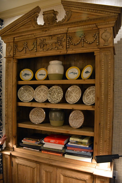 A display of local pottery and books for guests to read at the Taconic Hotel in Manchester, VT