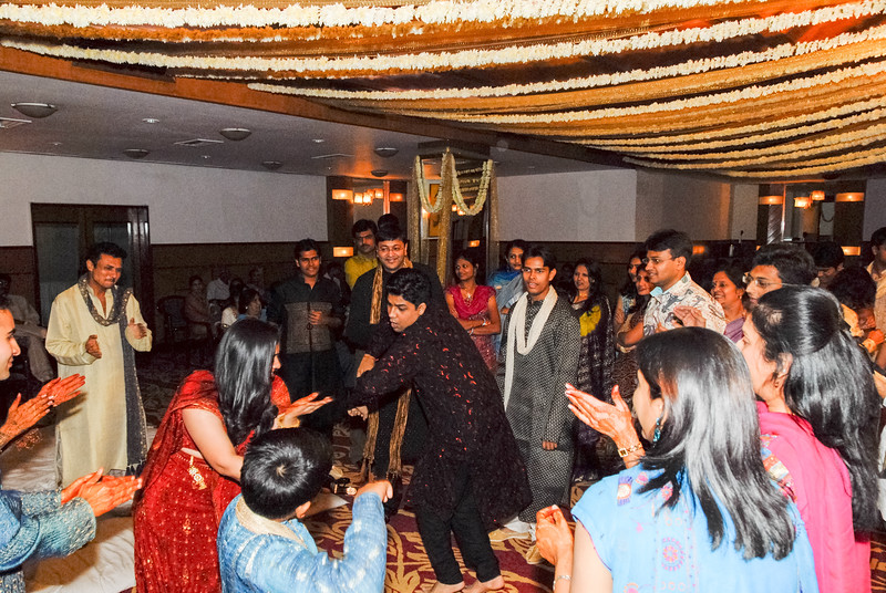 Wedding_Bombay_1206_408-2.jpg