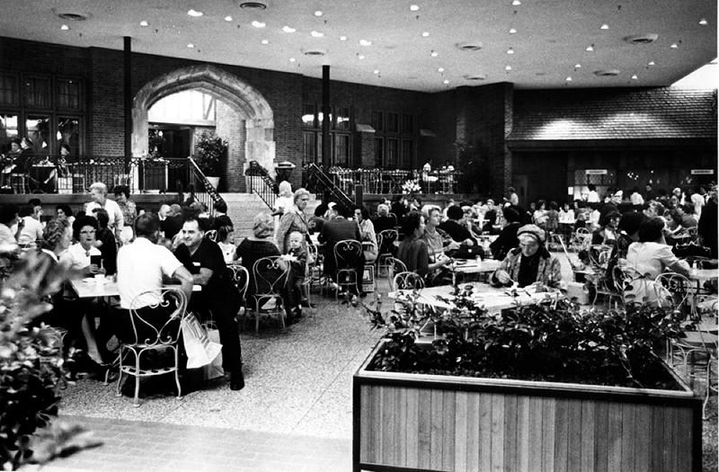 Lincoln Square Cafe