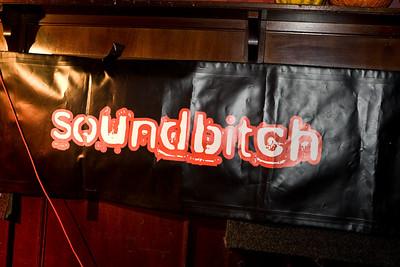 Soundbitch in de Waardige Waard in Twello