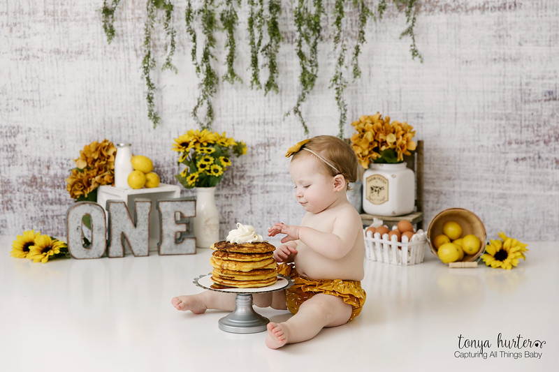 Maeve-1stBday-Low-Resolution370A2095-Edit_.jpg