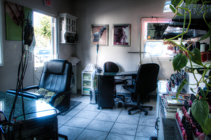 upstairs_salon-6-25.jpg