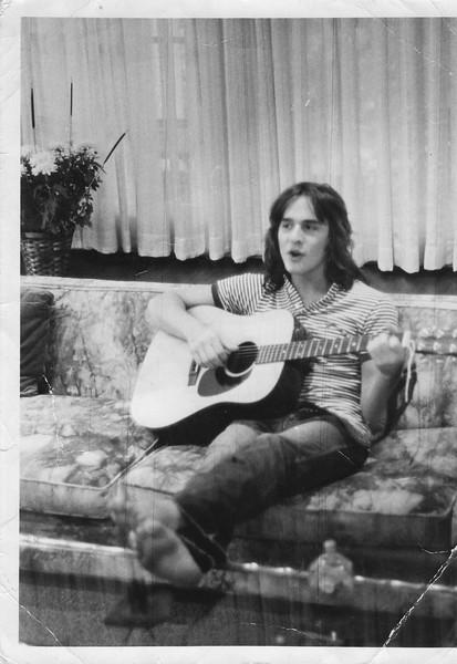 Tony Playing Guitar 2 1971.jpg
