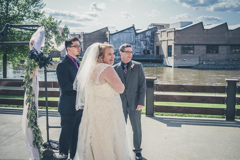 Beloit-WI-Ironworks-hotel-Wedding-Photographere_m_50.jpg