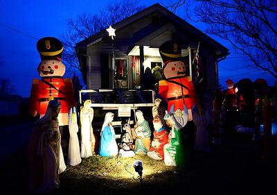 Franklin Avenue holiday display