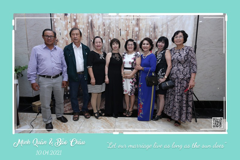 QC-wedding-instant-print-photobooth-Chup-hinh-lay-lien-in-anh-lay-ngay-Tiec-cuoi-WefieBox-Photobooth-Vietnam-cho-thue-photo-booth-092.jpg