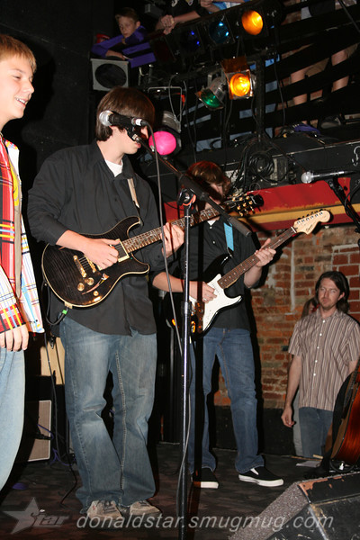 Paden Mullins Guitar at the 8 by 10 baltimore 2007 015.JPG