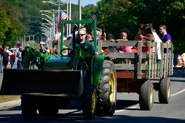 9/21/2019 Mike Orazzi | StaffrHay rides during Saturday's Mum Festival on Memorial Boulevard in Bristol.