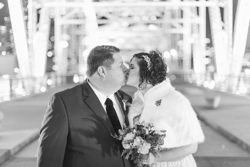 53_Steve+Laurie_WeddingBW.jpg