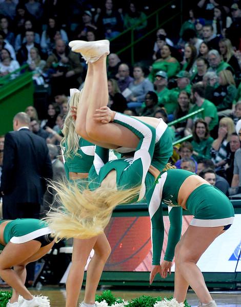 cheerleaders9956.jpg