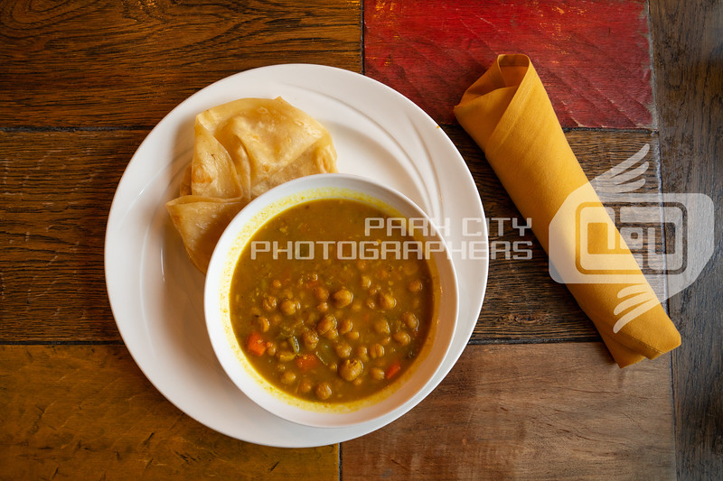 Chickpea Curry with Roti