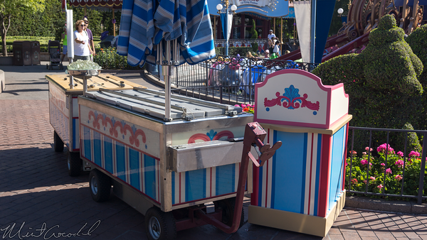 Disneyland Resort, Disneyland, Fantasyland, Outdoor Vending, ODV, Ice Cream, Ice, Cream, Podium