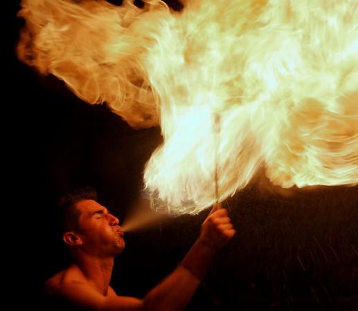 Scenofeerie de SEMBLANCAY - Cracheur de feu
