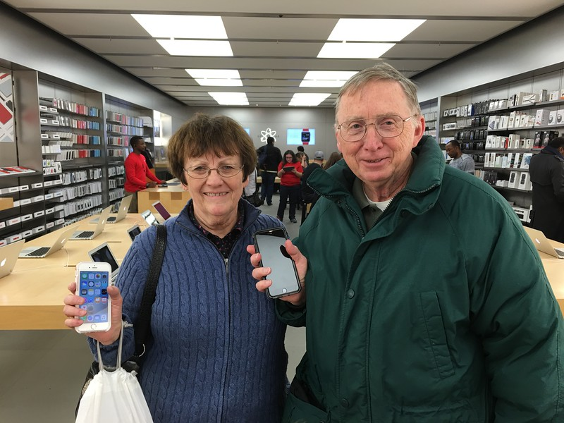 20160204 011 new iphones - dad's first.JPG