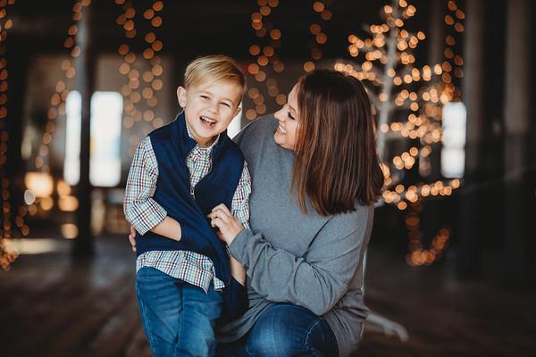 Tara Wise | Christmas Mini