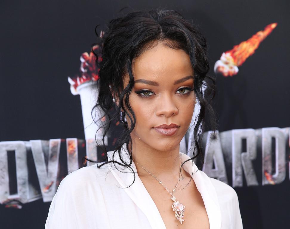 . Rihanna arrives at the MTV Movie Awards on Sunday, April 13, 2014, at Nokia Theatre in Los Angeles. (Photo by Matt Sayles/Invision/AP)