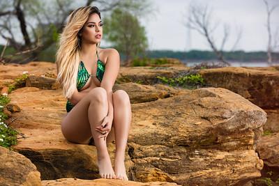 Victoria Castillo 18-04-01