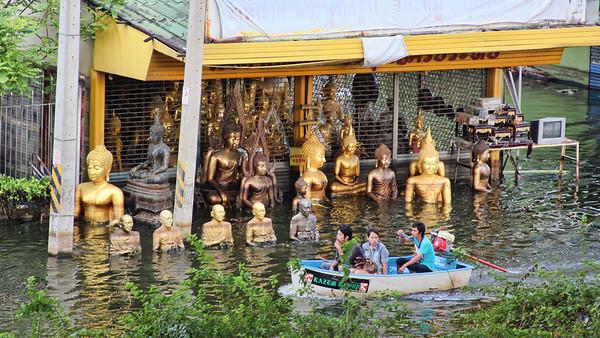 Floating Buddha Store, Rangsit (10Nov)