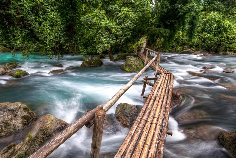 Phong-nha-nature-walk-vietnam.jpg