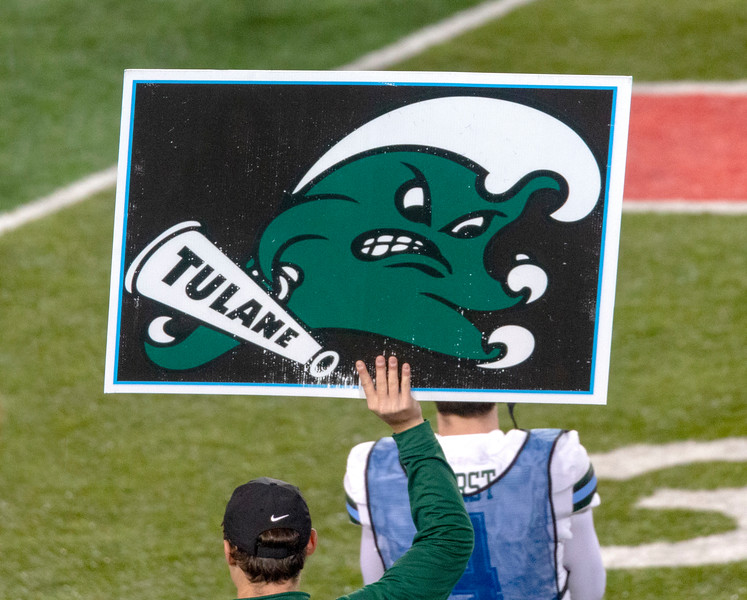A Tulane play card goes up.