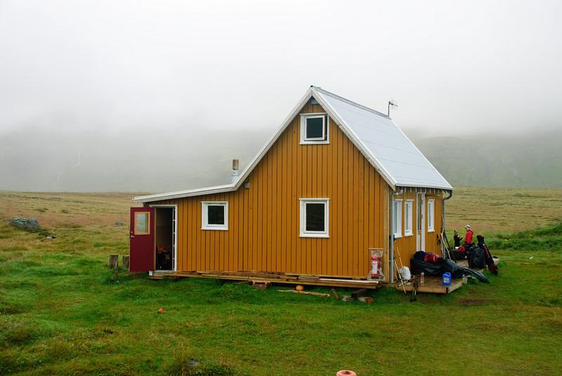 Hlöðuvík - Búðarsel. 2010. Gamla neyðarskýlið í Hlöðuvík