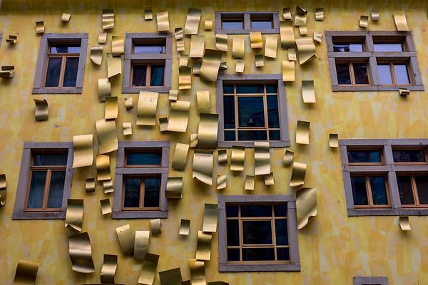Goldene Luftzeichen, Dresden, Saxony