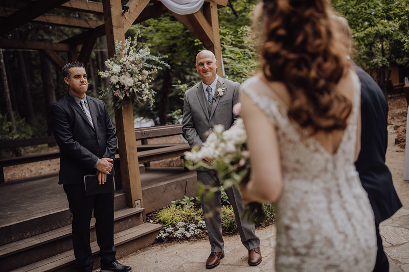 2018-05-12_ROEDER_JulieSeth_Wedding_ROEDER1_0119.jpg