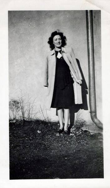 1942 viv Konyha when she worked at trucking firm.jpeg