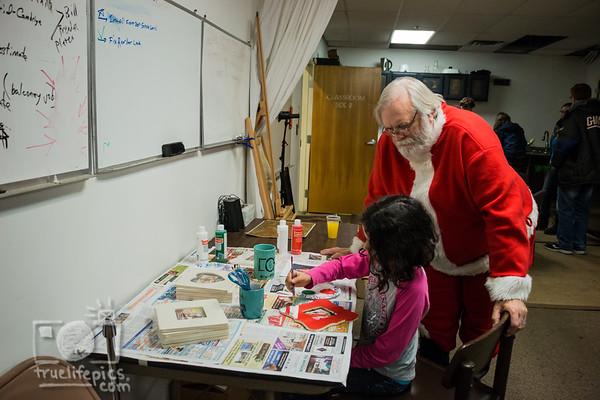 {{.Santa.at.TheWorcShop.2017.}}