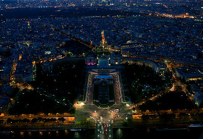 Palais de Chaillot (Trocadéro) built for the International Exposition of 1937 - Copyright © 2009 NSL Photography. All Rights Reserved.