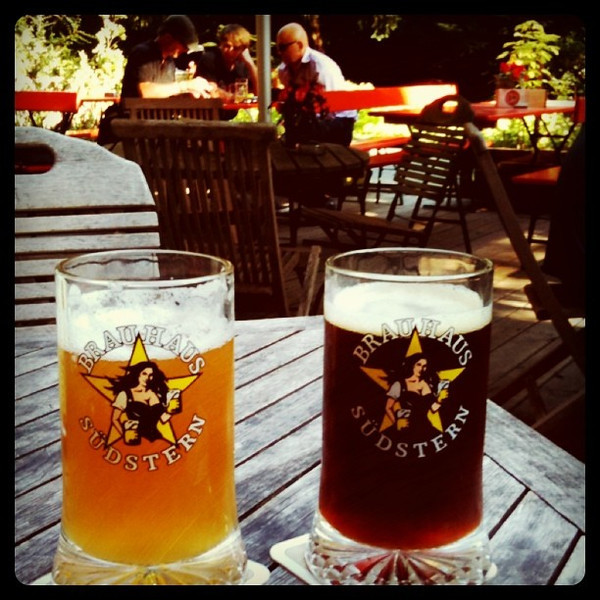 After our site going out & long day, much appreciated beers in park. #Berlin