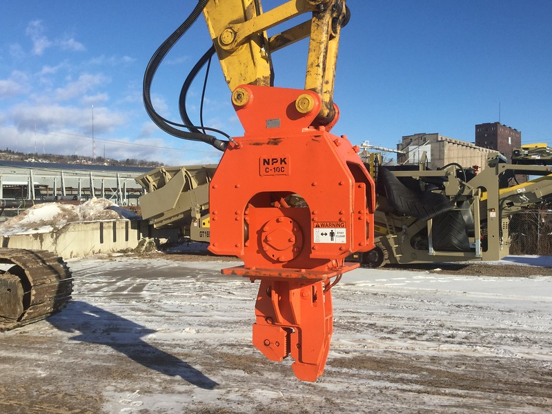 NPK C10CSD sheet pile driver on Komatsu excavator (1).jpg