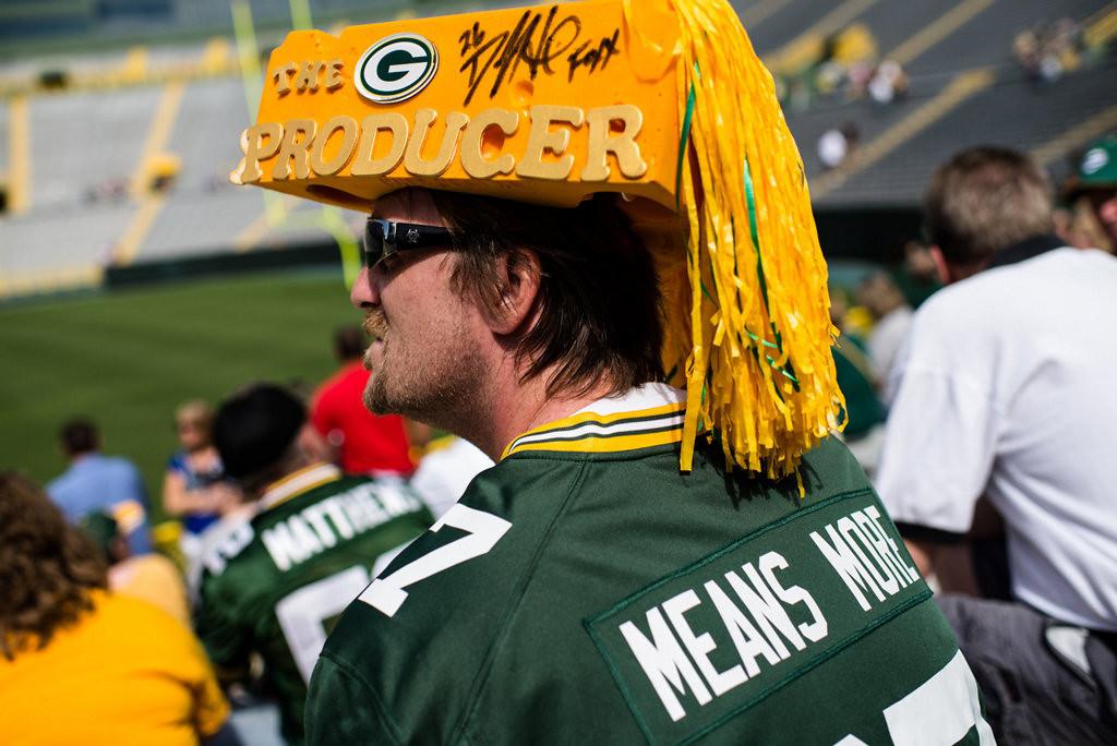 . Dale Decker listens to Packers President Mark Murphy speak. (AP Photo/The Green Bay Press-Gazette, Lukas Keapproth)