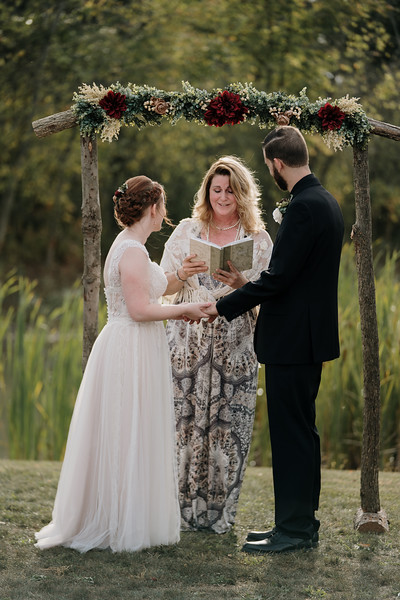 rustic_ohio__fall_barn_wedding-231.jpg
