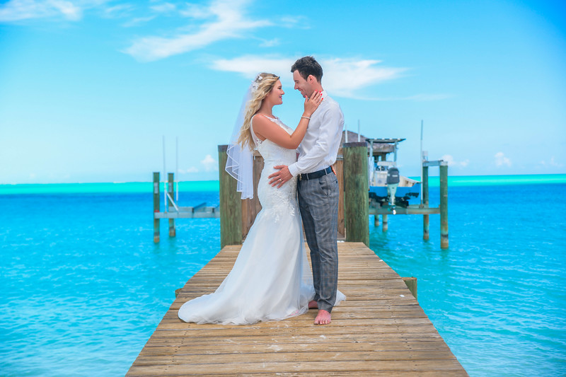 Exuma Beach Wedding at Hoopers Bay photo by Reno Curling #renocurling