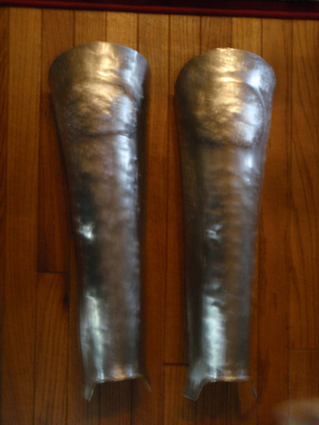 Taog's Greaves