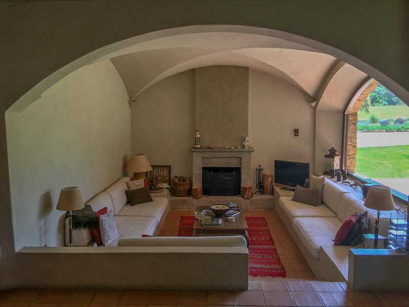 charming-villas-costa-brava-spain-11.jpg