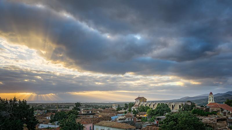 2016018_KW_TLYL_Trinidad_Cuba_God_Rays.jpg