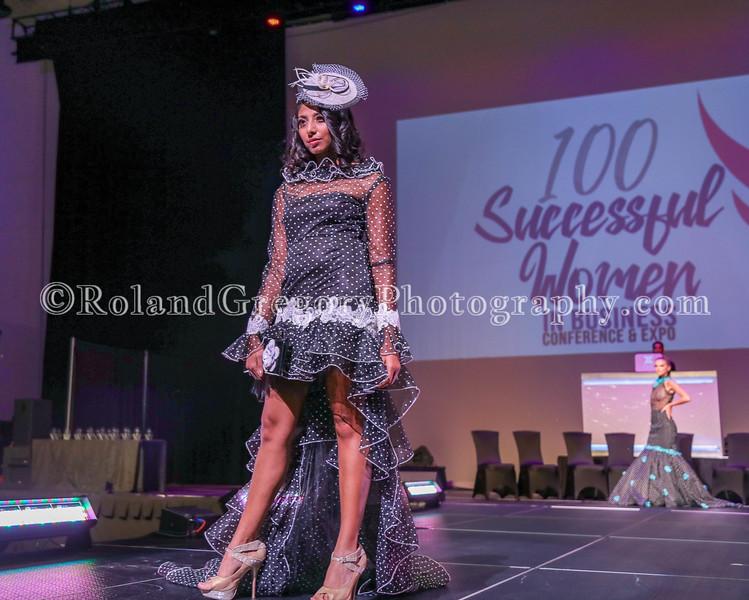 100 Womens Fashion show2019-3449.jpg