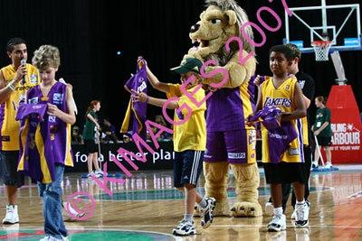 Kings Vs Singapore - Pre-Game, Cheerleaders & Half-Time Entertainment 11-2-07